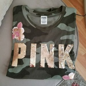 vs PINK bling camo shirt (L)